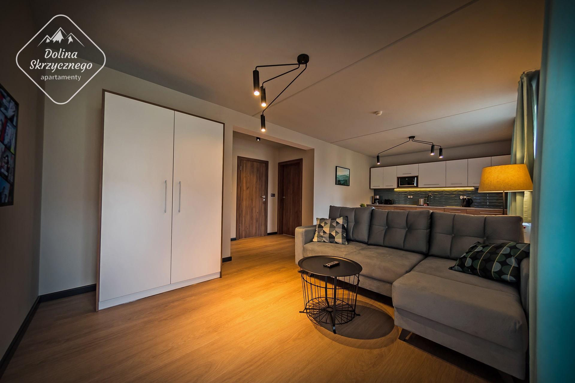 Apartamenty-Dolina-Skrzycznego-Szczyrk-04-02-Logo-min